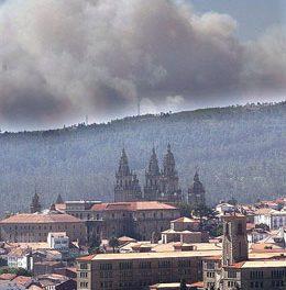 """Nin tramas nin """"direccionalidade"""" nos incendios do verán pasado en Santiago"""