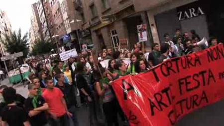Pontevedra acolle a maior mobilización antitaurina da súa historia