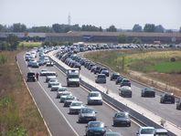 O automóbil é unha das maiores fontes de emisión de gases causantes do cambio climático