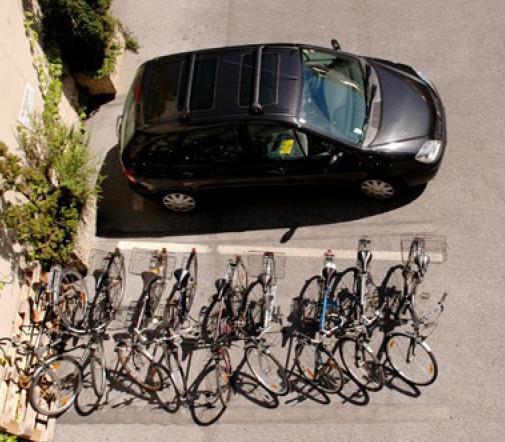 8_bicis_1_coche.jpg