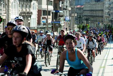 Vigo sae á rúa en bicicleta!